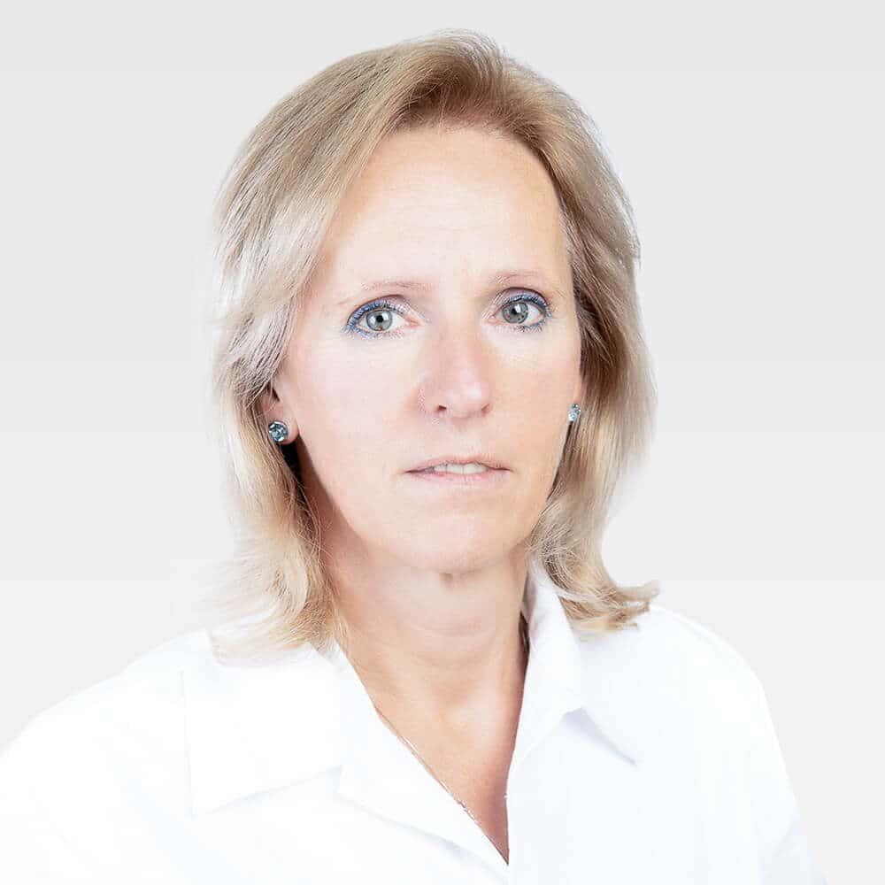 Dr Kelbert Eva Cmed