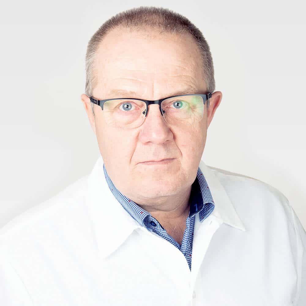 Dr Hermann Janos Cmed